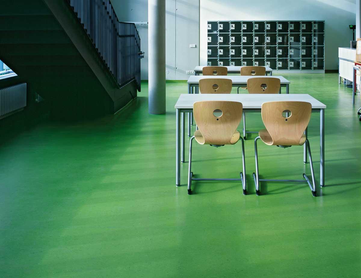 Elastischer Boden Schulzentrum